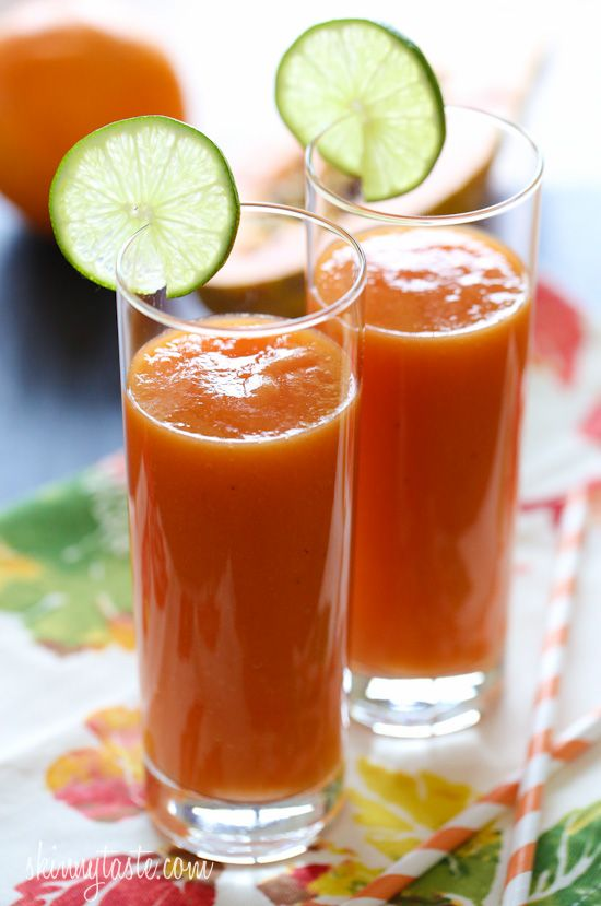 Tropical Papaya Batido (fruit shake) - Vitamin packed, dairy-free, and loaded with vitamins and fiber. #weightwatchers