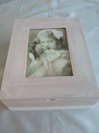 coiffeuse vintage rose pour rangement maquillage ou/et bijoux