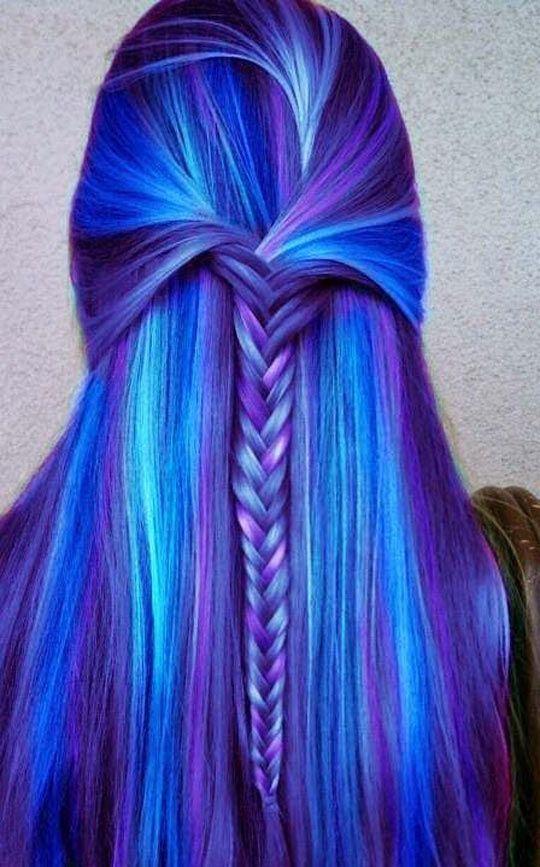 cheveux-bleus                                                                                                                                                                                 Plus