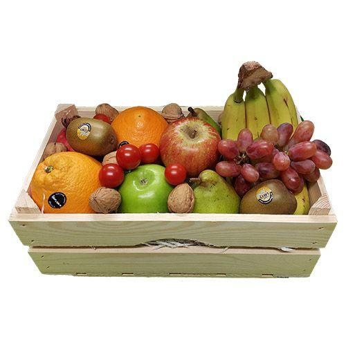 Quality Fruit Baskets. Fruitkist  3x Banaan  3x Appel rood  3x Appel groen  3x peer  3x Kiwi  3x Sinaasappel  1x Druiven  1x overige decoratie  1x mooie houten kist