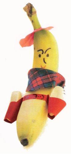 Pief paf poef!  Deze stoere cowboy schiet met banaantjes! Een leuke jongenstrakatie om op school te trakteren als je jarig bent. Lekker en gezond: combineer een gezonde banaan met  een paar kleine bananensnoepjes en iedereen is blij