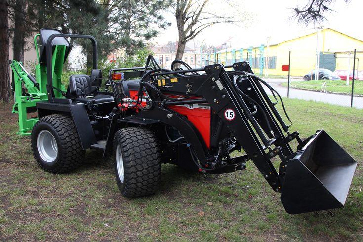 W 5000 Yukon Articulated Utility Tractor High