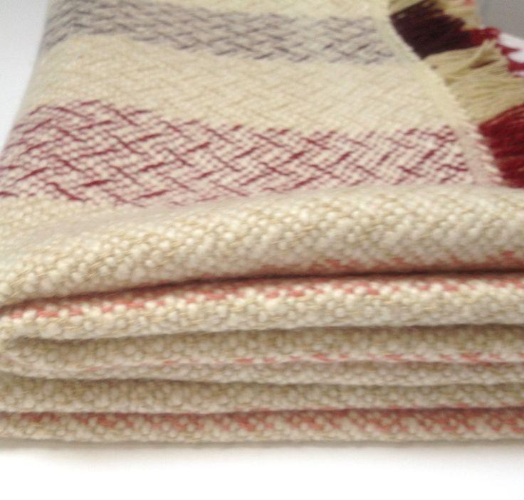Plaid, throw, bank-deken, kinderdeken. Handgeweven, wol, brandnetel, 160 cm x 90 cm. door WeefatelierAlida op Etsy