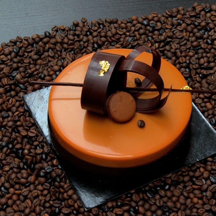 Entremets Café Caramel tonka par Nicolas Serrano