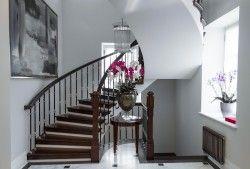 Деревянные перила для лестницы