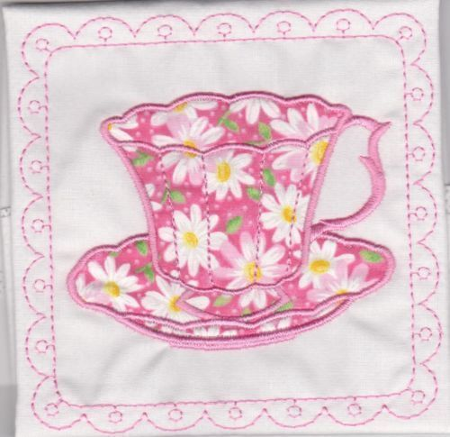 RQQ™  2 Pink daisy daisies applique teacup with border  fabric quilt block