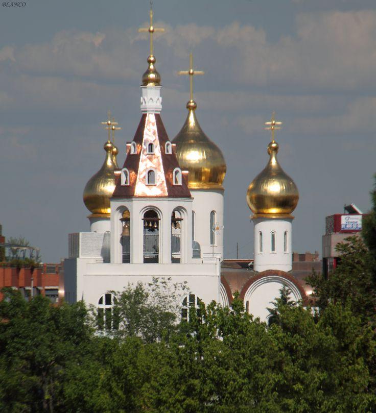 Parroquia de Santa María Magdalena, iglesia ortodoxa rusa, Gran Vía de Hortaleza.
