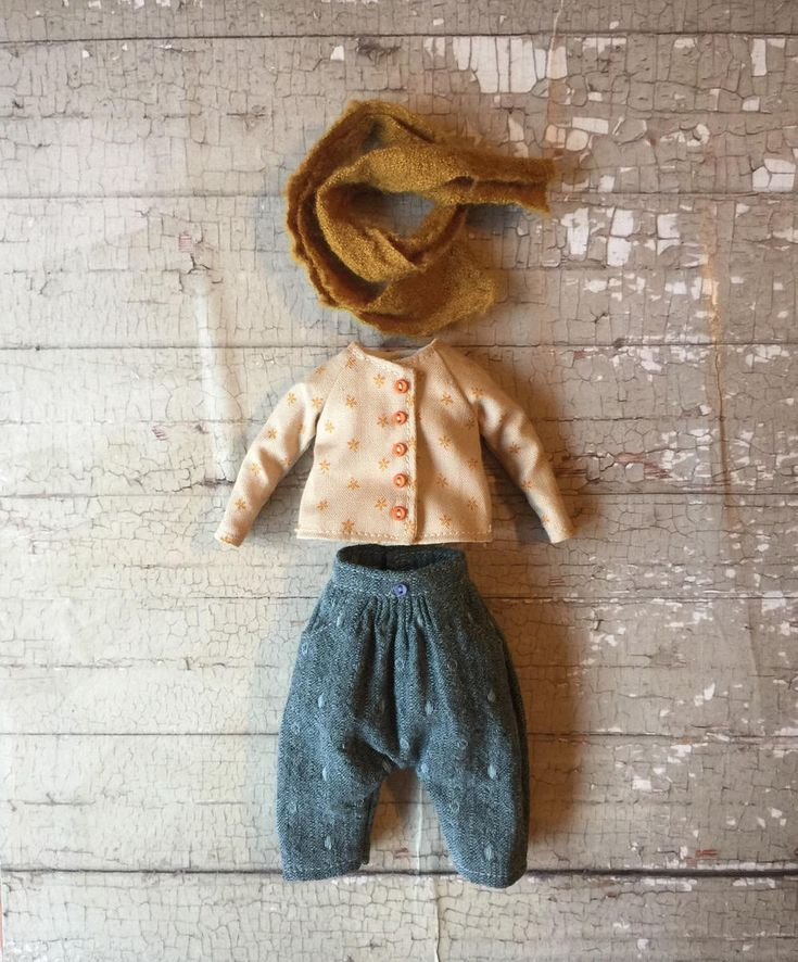 https://www.etsy.com/fr/listing/571933794/la-petite-gamine-outfit-set-for-blythe?show_sold_out_detail=1