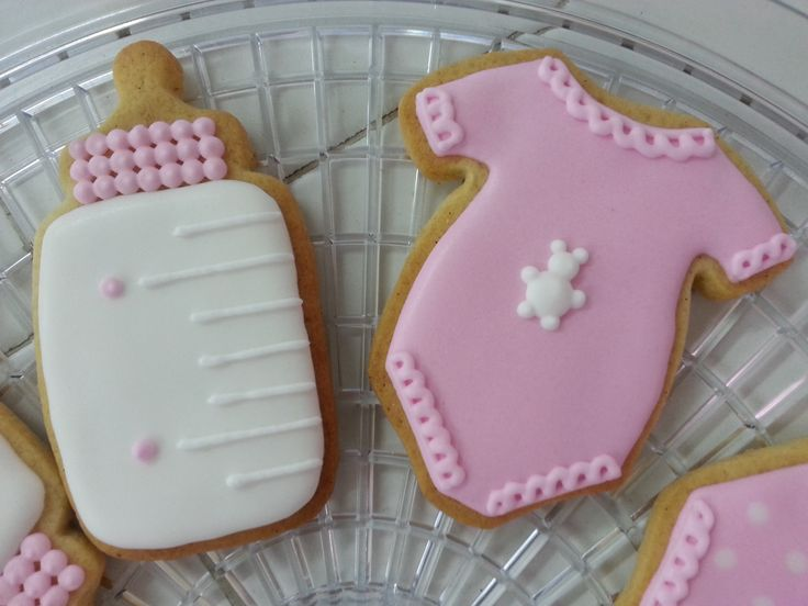 Baby shower cookies for girl