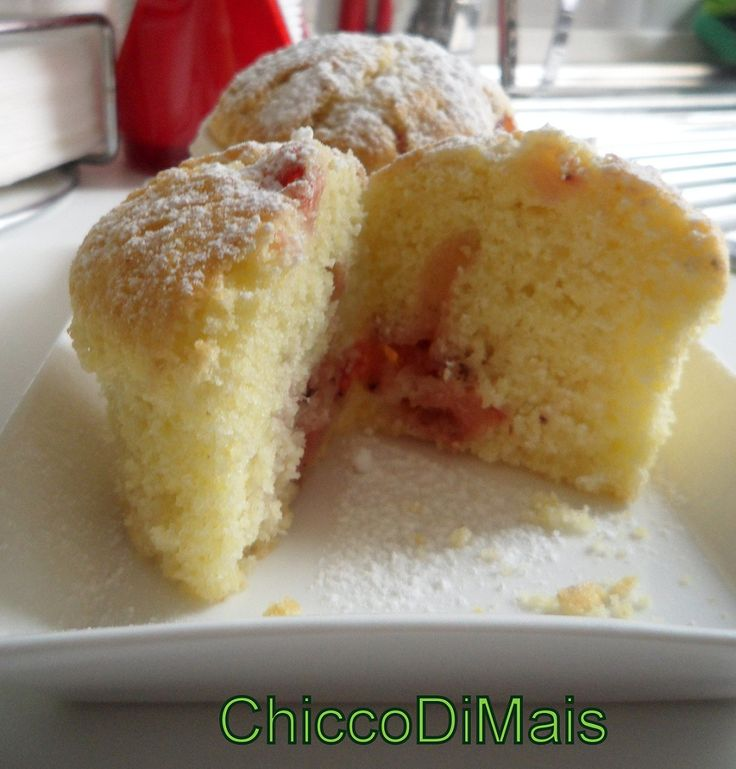 Muffin margherita con fragole e frutti di bosco  http://blog.giallozafferano.it/ilchiccodimais/muffin-di-pasta-margherita-con-fragole-e-frutti-di-bosco/