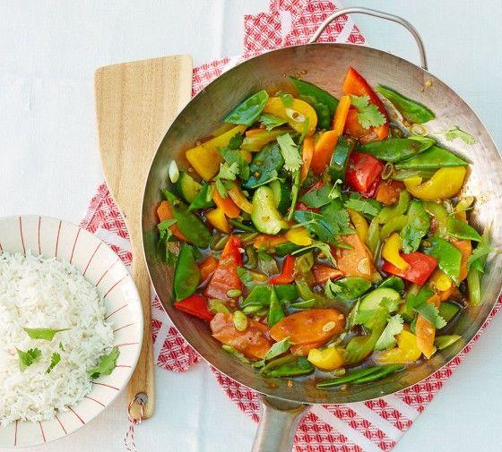 Süsssaures Ragout: Viel frisches Sommer-Gemüse mit kräftigen asiatischen Gewürzen