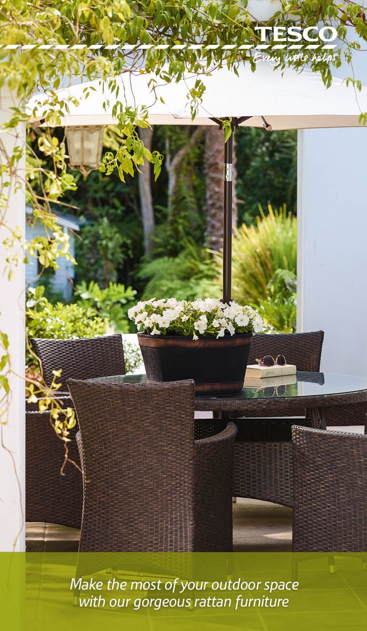 Our stylish outdoor furniture and dining range means al fresco living has never been so comfortable or easy.
