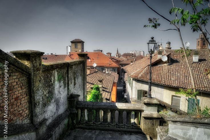 Novi Ligure - Roofs of the old town seen from the stairs leading to Il Castello
