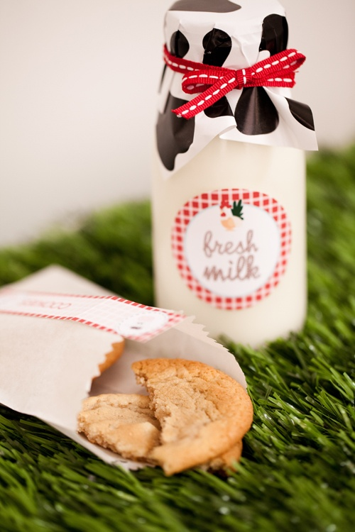 too cute milk & cookie favor!  Would be great for a kid or adult party with a western or farm theme