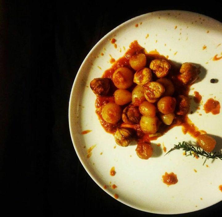 Στιφάδο κάστανο με χοχλιούς και Μαρούβα – από τη σεφ Φωτεινή Κράντου.