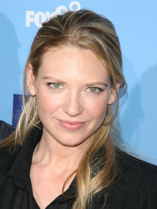 Anna Torv - Inspiration for Brenna in Hidden By Blood #Australia #celebrities #AnnaTorv Australian celebrity Anna Torv loves www.kangafashion.com