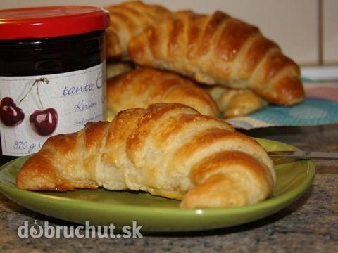 Domáce maslové croissanty
