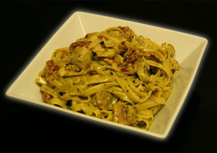 Learn how to make a Creamy Tomato Basil Pasta enriched with sundried tomatoes.