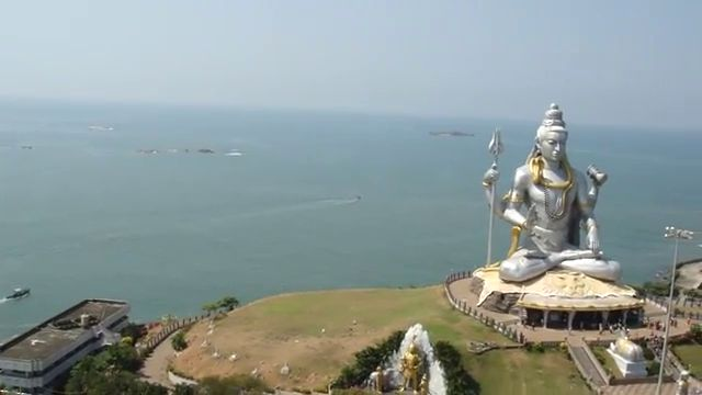 How To Reach Murudeshwar On The Konkan Route In Karnataka South India See More Ideas About