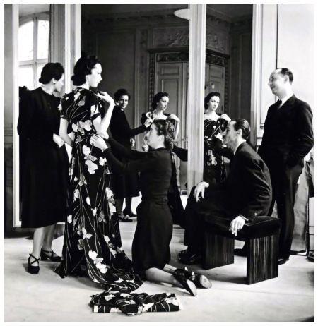 Photo Willy Maywald 1938 seance d'essayage chezpiguet