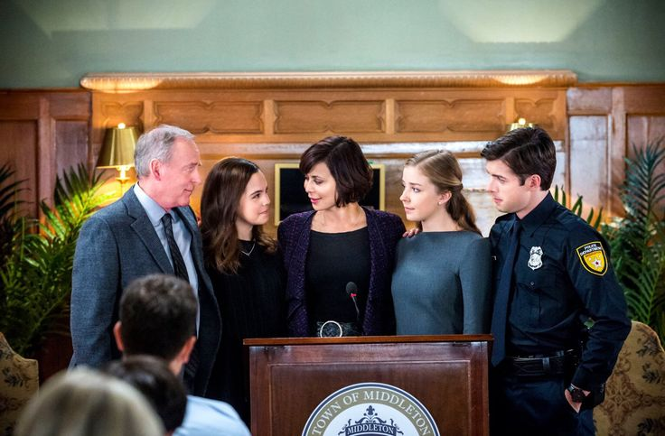 George, Grace, Cassie, Lori, & Brandon celebrate a poignant family moment when Good Witch TV series has a special 2 hour World Premiere only on Hallmark Channel USA February 28th.