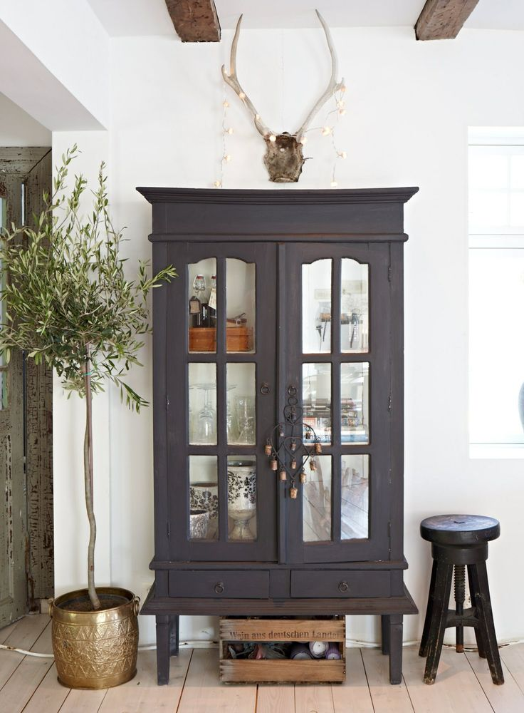 25 Best Ideas About Glass Curio Cabinets On Pinterest