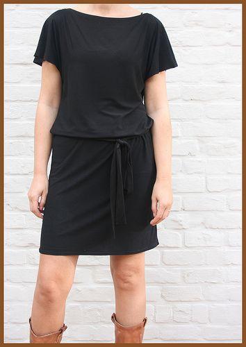 zwart jurkje van tshirt stof