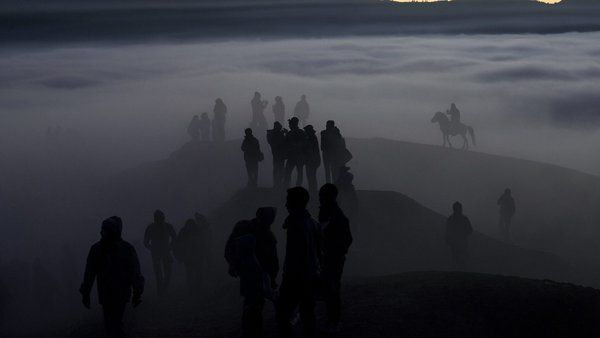 Indonesians walk to Mount Bromo for a Kasodo ceremony expressing their gratitude to the Hindu gods. Fully Handoko :: European Pressphoto Agency.