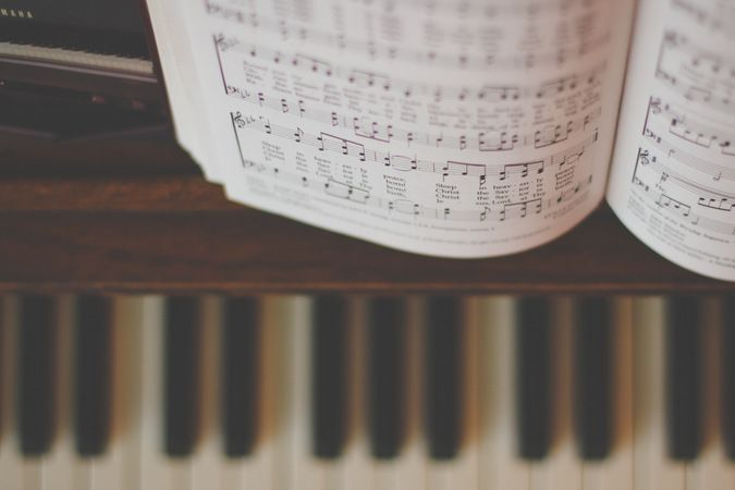 Piano and sheet music. Xx ♡