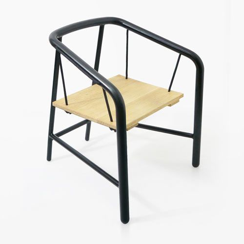 Portique armchair inspired by rope swings and designed by Florent Coirier