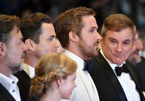 """Russell Crowe Photos - (From L) New Zealander actor Russell Crowe, US actor Matt Bomer, Australian actress Angourie Rice, Canadian actor Ryan Gosling and US director Shane Black arrives on May 15, 2016 for the screening of the film """"The Nice Guys"""" at the 69th Cannes Film Festival in Cannes, southern France. / AFP / ALBERTO PIZZOLI - 'The Nice Guys' - Red Carpet Arrivals - The 69th Annual Cannes Film Festival"""