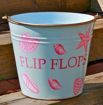 diy bucket for flipflops   beachcombing, shells, shelling, DIY, pallet, pallet decor, pallet project, beach life, beach deck, beach decor, outsider art.  www.bohemianbeachjunque.blogspot.com