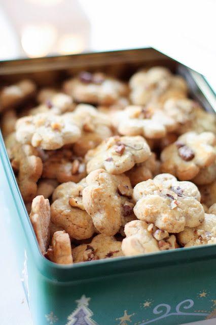 """Un """"Flo"""" de bonnes choses » Bredele 2013 : Pain aux amandes, sablés aux noix et palets aux raisins et épices"""