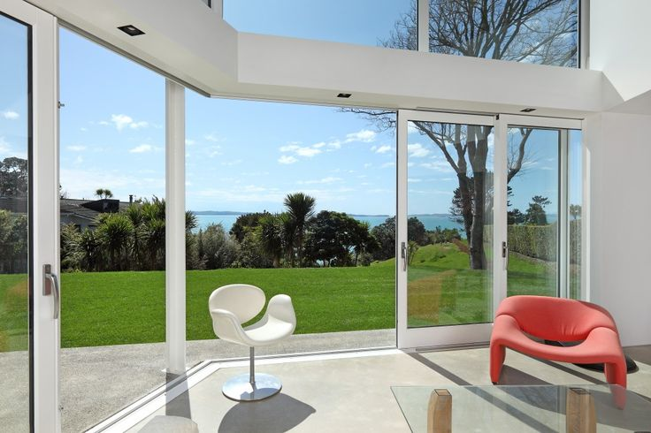 Stunning Accoya windows and doors in New Zealand home by Daniel Marshall Architects