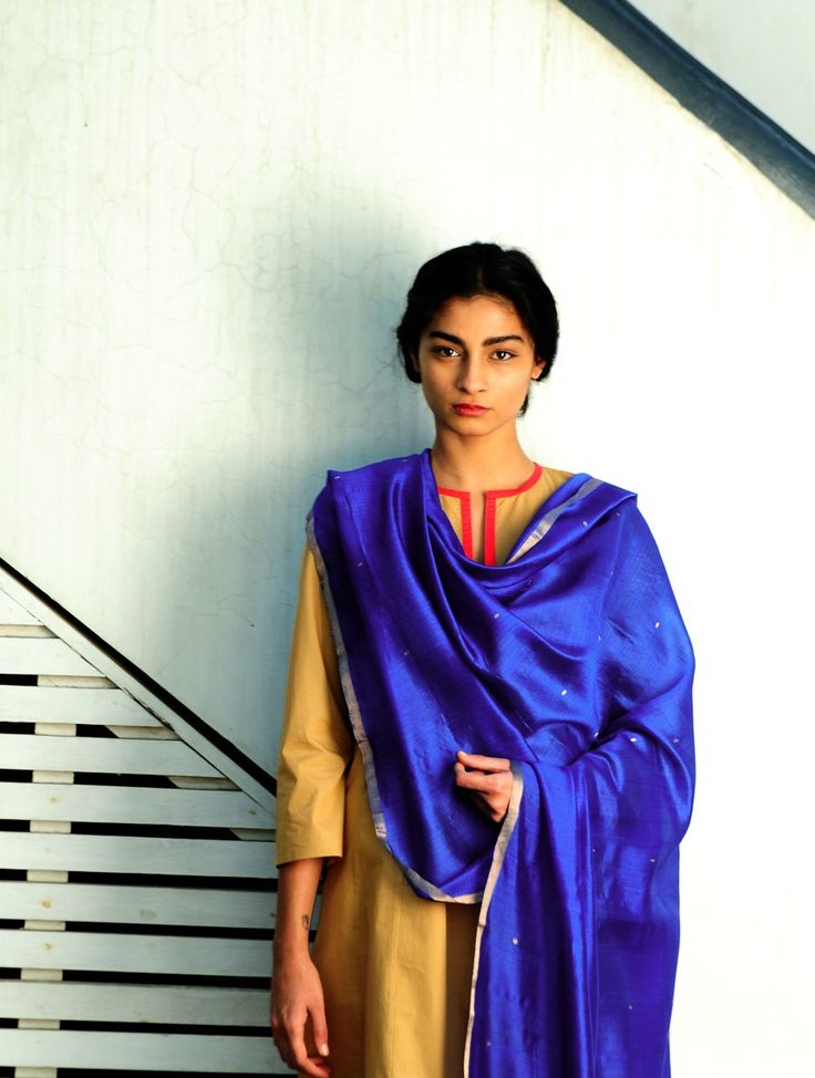 Royal Blue Booti Silk Handwoven Dupatta By Raw Mango Pinned by Sujayita