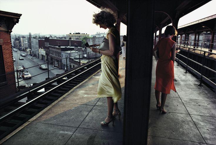 Subway platform in Brooklyn. New York City, USA. 1980. © Bruce Davidson / Magnum Photos