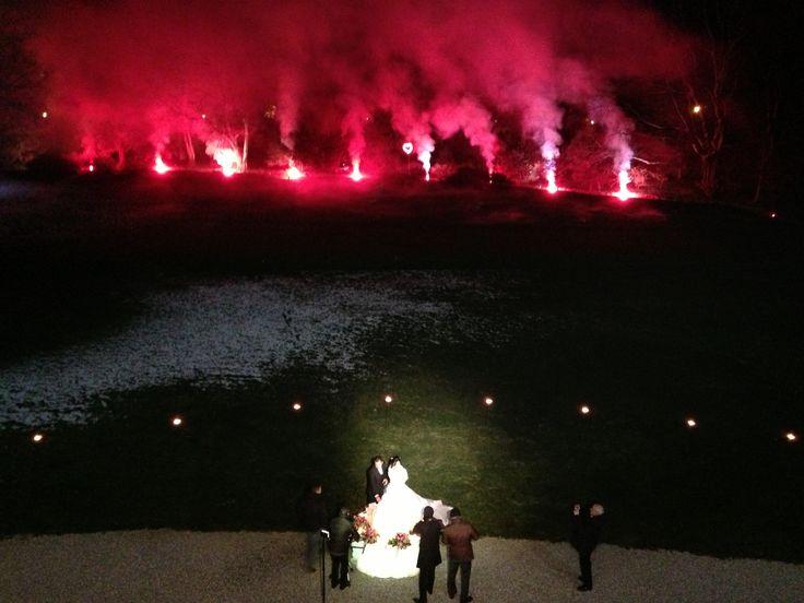 Winter, taglio della torta con la neve, fuochi d'artificio, villa zanchi sposarsi d'inverno