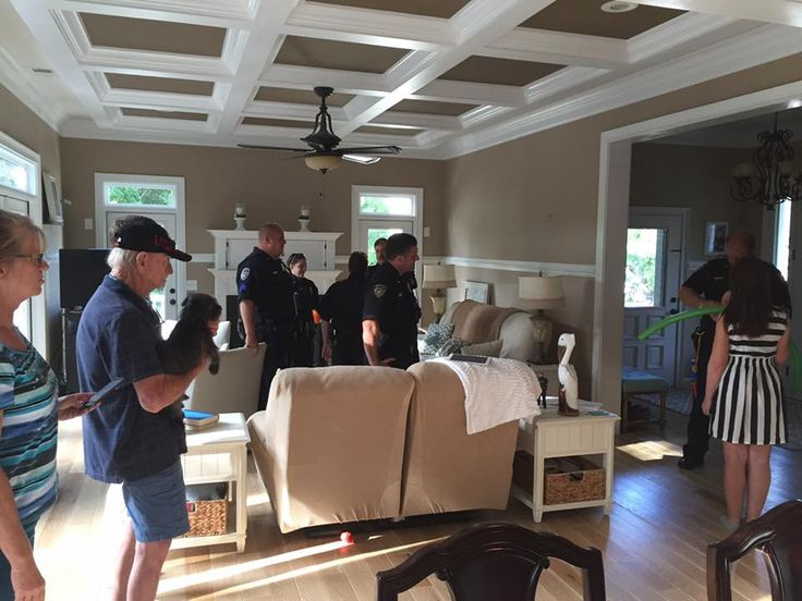 (Source: Live 5) owner of 3dtransformations, Barbara Wood, opens up her home to local officers on duty for a meal!