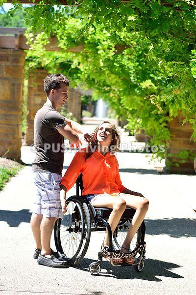 Dating jemand im Rollstuhl helfen Wann sollten Sie Ihre Nummer online datieren