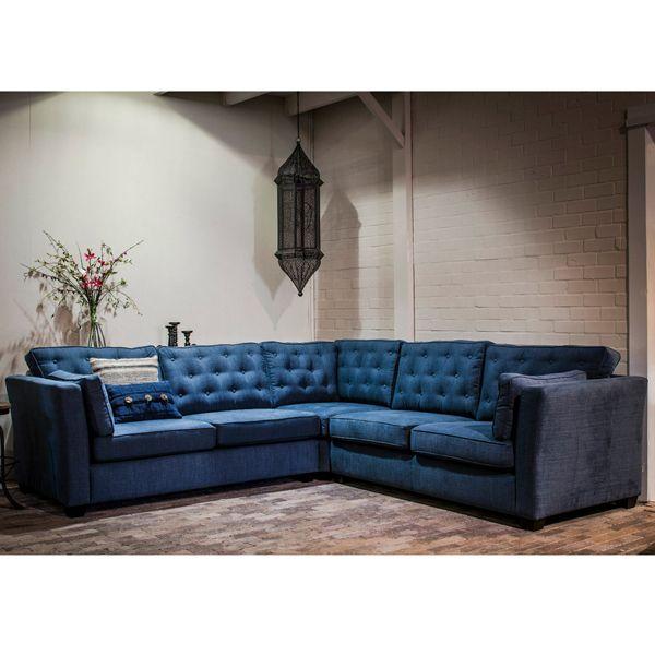 Ecksofa MANON blau von BOCX (Ausstellungstück, sofort lieferbar!) (ehemaliger Ladenverkaufspreis: 3499 EUR) Auswahl: · 1 x Ecksofa MANON blau · Bestehend aus: 2,5 Sitzer links, 2,5 Sitzer rechts und Eckelement Material:...