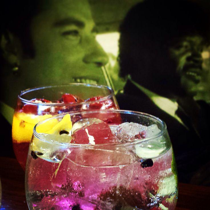 Samuel, John, tu y yo!  Una #copas #gintonics de todos los colores!
