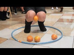 Minute to Win It: Knee Trembler (2 vs. 2) - YouTube
