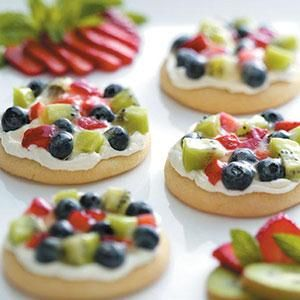 Sugar Cookie Fruit Pizzas  -  perfect for next book club!