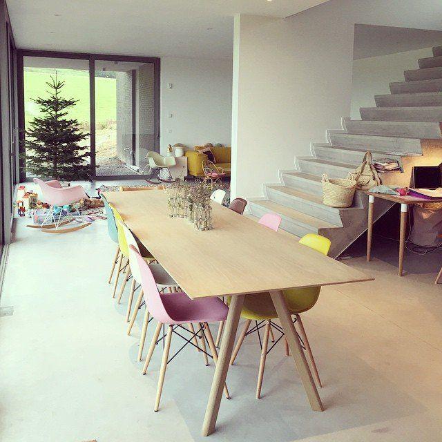 Un mix de chaises colorées #madecoamoi