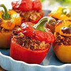 Lange zoete paprika's gevuld met kipgehakt en kruiden - recept - okoko recepten