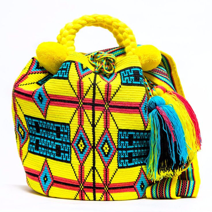 100% Handmade Limited Edition Hermosa Wayuu bags are rare art. Only small amounts are made because of the complexity and method to produce a single Hermosa Wayuu Bag. Only One Kind, Limited Edition, L