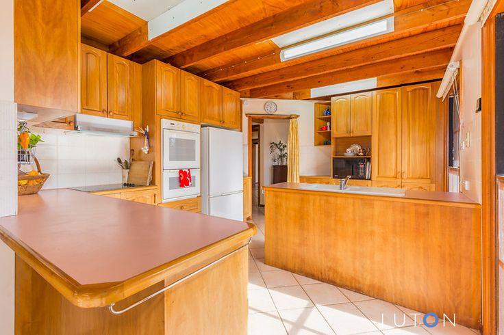 Tasmanian oak kitchen in Australian country house