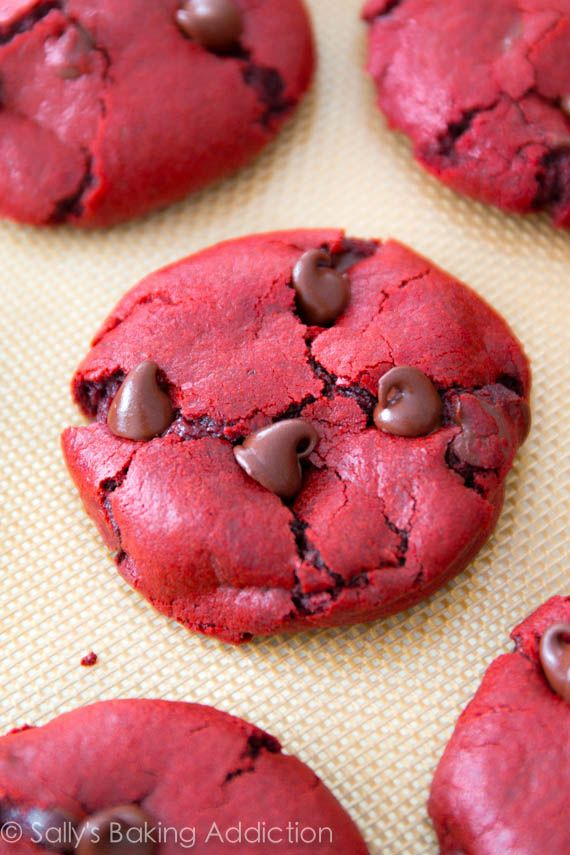 Red Velvet Chocolate Chip Cookies from scratch! Soft, chewy, easy.