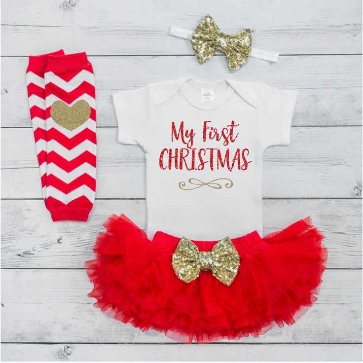 Baby Girl Christmas Outfit Set - Your little girl will be sparkling in style with this adorable 4-piece Christmas outfit. It also makes a great photo prop! We at Bump and Beyond Designs love to help y