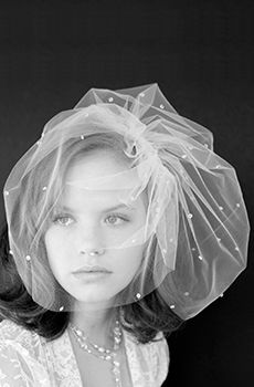 Check Out These Lavish And Opulent Types Of Wedding Veils